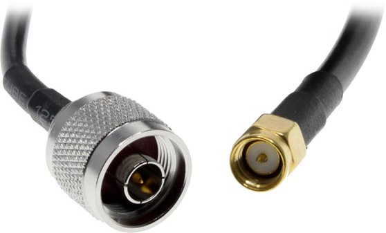 Photo of the connector ends of an N male to SMA male antenna cable.