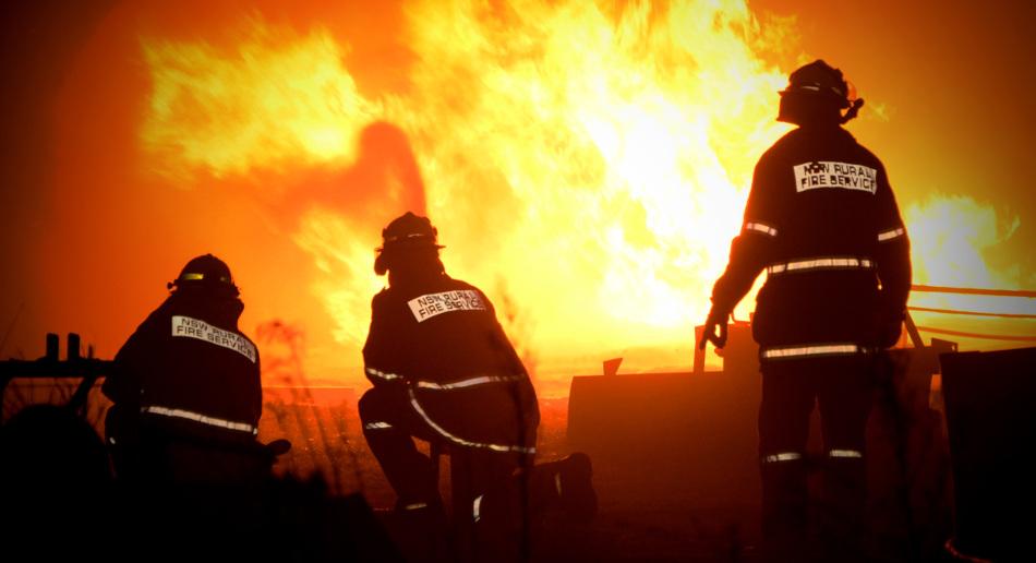 3 Firefighters Battling NSW Bushfire